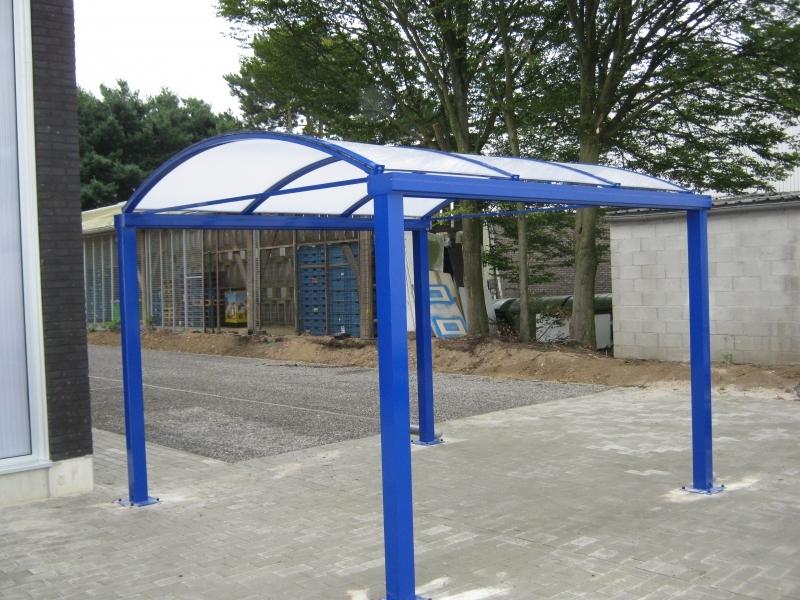 Blauwe carport