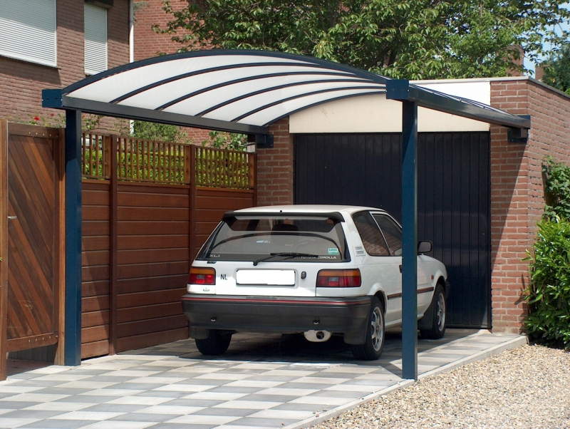 http://www.custafer.be/uploads/img/Muur-carport-2.jpg