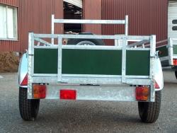 Aanhangwagen met houten zijwanden prijs vanaf 409,00 euro
