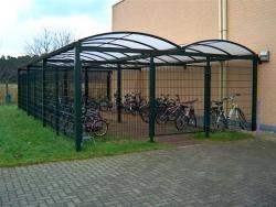 dubbele carport als fietsenstalling